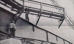 Errichtung des Bürgersteigs und Geländers der Benton Street Bridge