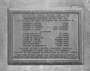 Benton Street Bridge in Iowa City - Historical tablet located on the northwest abutment, looking north-northeast