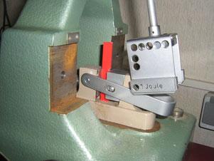 Probenhalterung und Schlagpendel für Izod-Kerbschlagprüfung