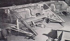 Vorfertigung des Bürgersteigs für die Benton-Street-Brücke in der Schweißwerkstatt