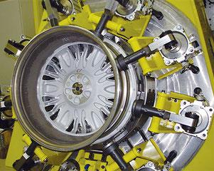 FSW-Maschine mit NASAs 'Retractable Pin Tool' für Alu-Felgen und Räder