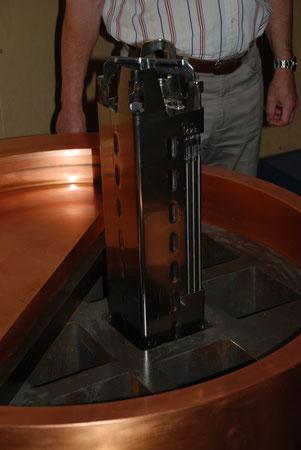 Aufgeschnittener rührreibgeschweißter Kupferbehäter für die Atommüllagerung