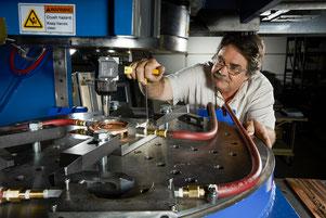Wassergekühlte Rührreibschweiß-Spannvorrichtung am Pacific Northwest National Laboratory (PNNL)