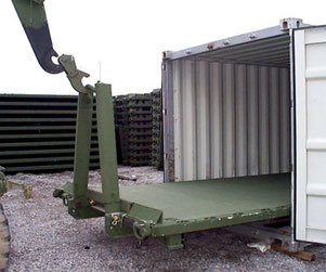 Die Container Roll-Out Platform (CROP) passt in Standard-Seecontainer
