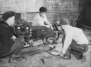 Bedienung einer Union-Schweißmaschine in der Bethlehem-Fairfield-Schiffswerft, Baltimore, Maryland, 1943