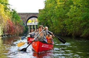 Boot auf dem Karl-Heine-Kanal in Leipzig