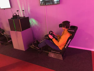 virtuelles Autorennen - gegeneinander im LEAVR Leipzig - immerwiederleipzig