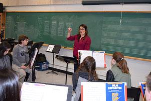 Clarinetist Jana Starling leads workshop at Owen Sound District Secondary School.