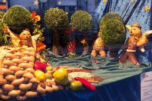 Erneut ganz vor: Das Schaufenster der Bäckerei Sievers.