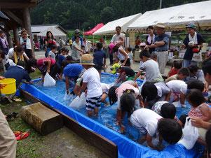 7月30日(日)、第14回新山郷村テント市の様子。