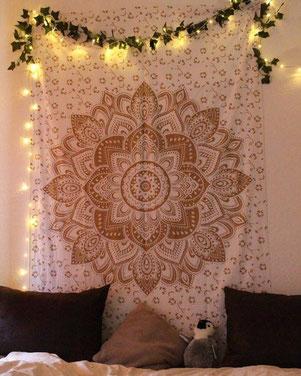 Lotus Wandtuch in weiss gold Thema Wandtücher aufhängen