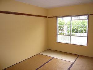 4畳和室壁ペイントです