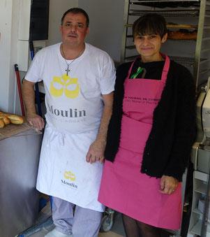 De gauche à droite : Thierry Caulier et Manue Machado sont les nouveaux repreneurs de la boulangerie.