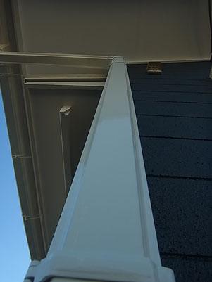 トイ塗装完成です。ホワイト光沢仕上げ。防カビ・低汚染・高耐久塗料使用。