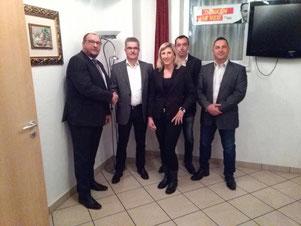 Ich gratuliere dem neuen Vorsitzenden Ulrich König. Daneben: Stefanie Rau (stellv. Vorsitzende), Vito Alvino (Beisitzer), Saverio Maniscalco (Beisitzer)