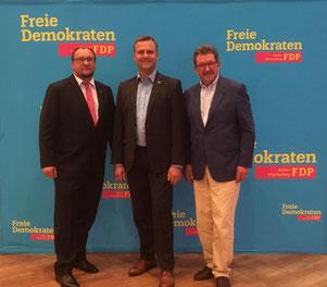 Mit Bundestagskandidat Christian Steffen-Stiehl und dem Kreisvorsitzenden Hans-Peter Wetzel