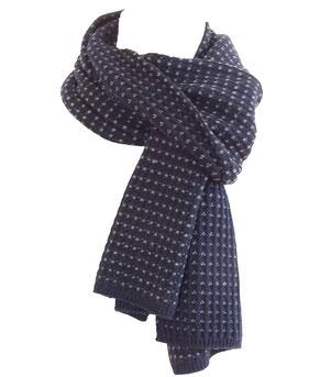 Elegante bufanda invernal en lana merino