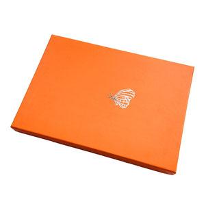 Caja bufanda con stamping