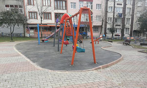 Park mit Spielplatz in Istanbul Sultangazi
