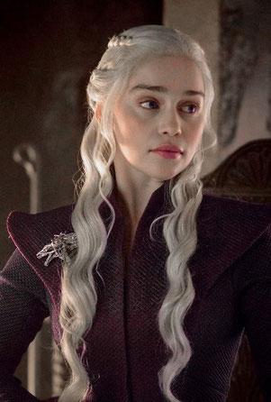 Besondere Merkmale aller Targaryen: blondes Haar und Augenbrauen, die nicht dazu passen.