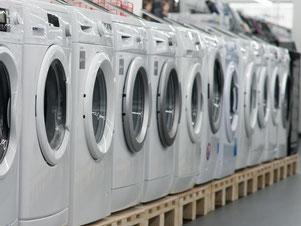 Immer mehr Haushaltsgroßgeräte wie Waschmaschinen gehen aufgrund von Mängeln schneller kaputt. Foto: Armin Weigel