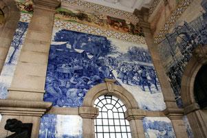 Portos Bahnhof mit Kachelbildern verziert