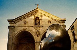 eine grosse Tuba, mit der typischen italienischen Biegung