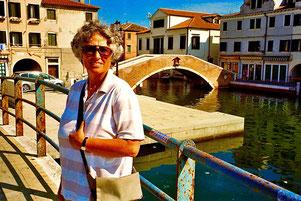 Hanni vor dem Haupt-Kanal in Chioggia