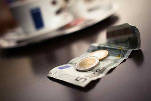 Geld - Kosten einer Hochzeit Studie