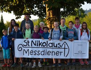 Unsere Messdiener mit den Betreuern vor der Abfahrt © Bild: Björn Merker