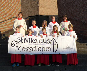 Unsere fünf Messdiener aus Wennemen mit den fünf Messdienern aus Freienohl © Bild: Björn Merker