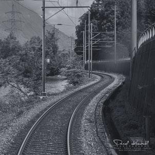 Schwarzweiss, black and white, sw, bw, Fotografie, Eisenbahn, Thunersee, Fotografieren mit Leidenschaft, 978-3-9525025-0-1, Autor/Fotograf Daniel Kneubühl, www.danielkneubuehl.com/buch
