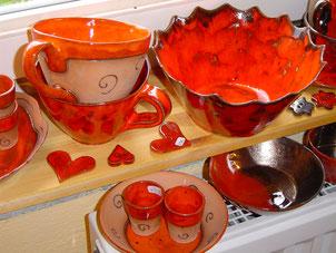 rote Keramik, Vielfarbenhaus,