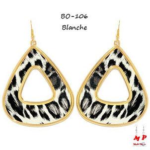 Boucles d'oreilles pendantes triangles léopards blanches et dorées