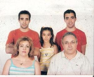 Mi mujer y mis hijos. Milagros, Javier, Juan Ignacio e Isabel María