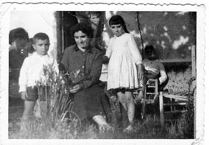 Con mi madre y mi hermana Pepita.