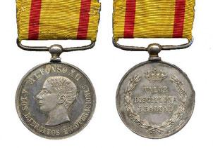Adeverso y reverso de la Medalla de Alfonso XII