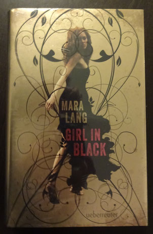 Girl in Black von Mara Lang, Ueberreuter Verlag, 17,95 €