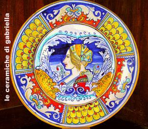 piatto in ceramica dipinto a mano Deruta