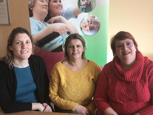 De gauche à droite : Nathalie GERAY (Infirmière), Aurore LESAGE (Infirmière) et Isabelle SEMELY (Secrétaire).