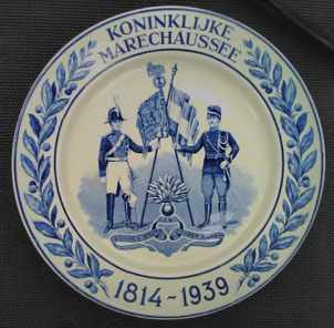 delftsblauw bord kmar 1814 1939
