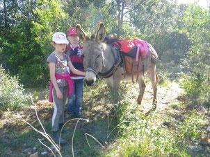 classe découverte avecdes ânes