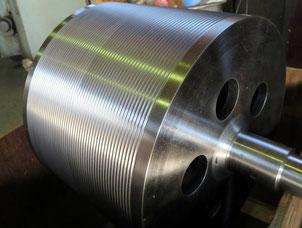 溝ロール(溶接構造)            径330mm x 長さ600mm (材質:SC)