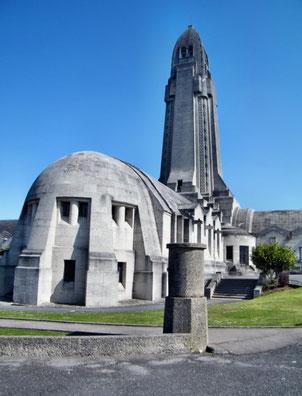 Verdun Douaumont Friedhof Beinhaus
