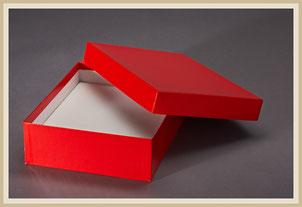 Stülpdeckelkarton bezogen oder geheftet