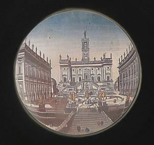La place du Capitole à Rome vu à travers une des lentilles prêtées par les opticiens Krys au musée