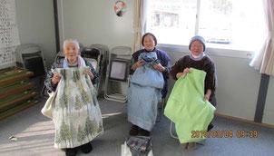 支援者の方より、災害公営住宅に引っ越しする方々にカーテンが贈られました。引っ越しするにあたって仮設住宅のカーテン、照明器具などは持っていくことが出来ないため、大変な負担になっていました。