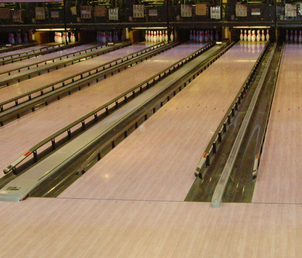 Playing 10 pin bowling