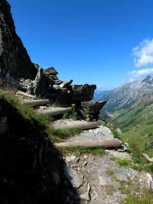 Treppenstufen am Mutspuren-Weg