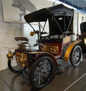 Der Wartburg-Motorwagen von 1898 Quelle: Wikipedia